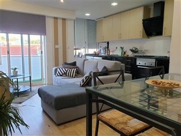 Apartamento T2 / Loures, Camarate