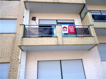 Apartamento T2 / Paredes, Baltar