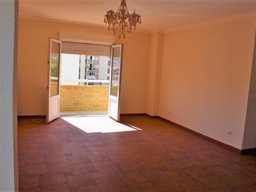 Apartamento T3 / Alenquer, Urbanização da Barrada