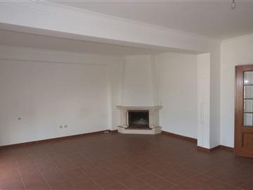 Apartamento T3 / Lousã, Lousã e Vilarinho