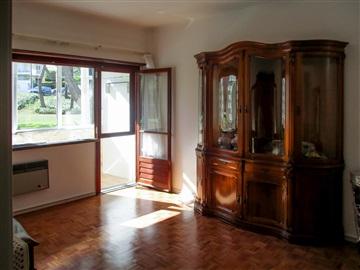Apartment T4 / Cascais, Carcavelos e Parede