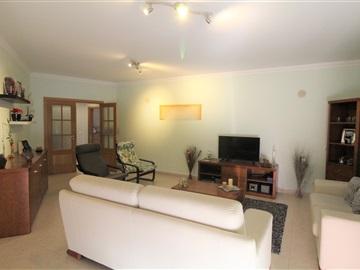 Apartment T4 / Palmela, Pinhal Novo
