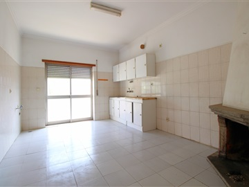 Appartement T3 / Guarda, Estação