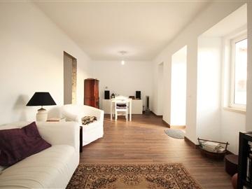 Casa T2 / Torres Vedras, Carvoeira e Carmões