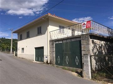 Casa T3 / Trancoso, Freches e Torres