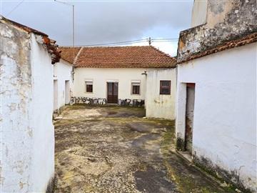 Detached house T2 / Rio Maior, Asseiceira