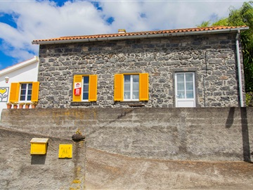 Detached house T3 / Ponta Delgada, Ginetes