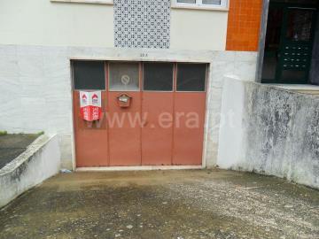 Entrepôt / Santarém, Esc. Ginestal Machado