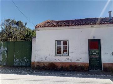 House T2 / Azambuja, Vale Paraiso