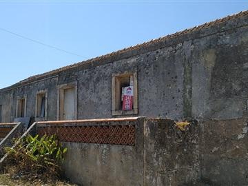 House T2 / Rio Maior, Alcobertas