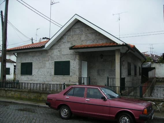 House T3 / Fafe