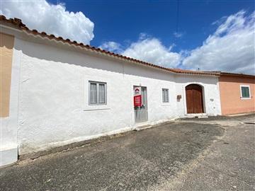 House T3 / Rio Maior, Arrouquelas