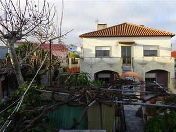 House T5 / Sintra, Baratã