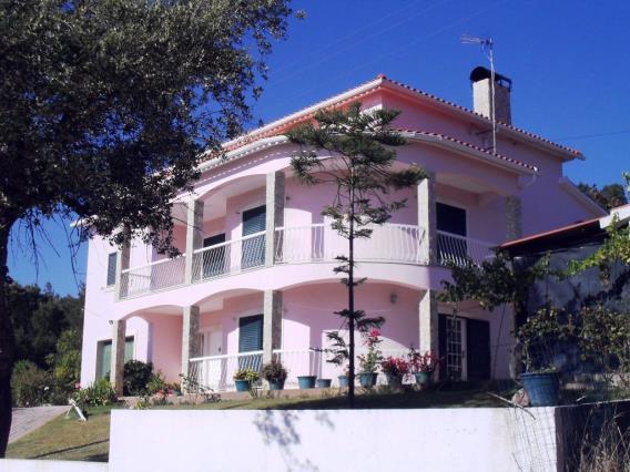 House T6 / Tomar, Serra e Junceira