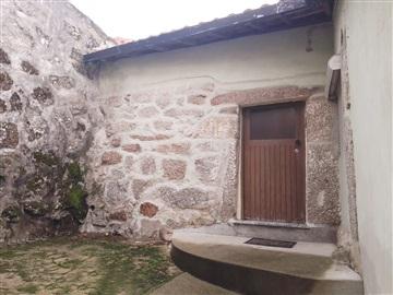 Maison jumelée T4 / Guimarães, São Torcato