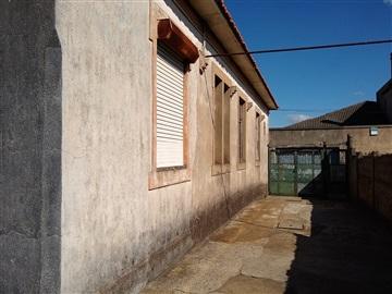 Maison / Matosinhos, Almeiriga