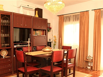 Maison T3 / Armamar, Aricera e Goujoim