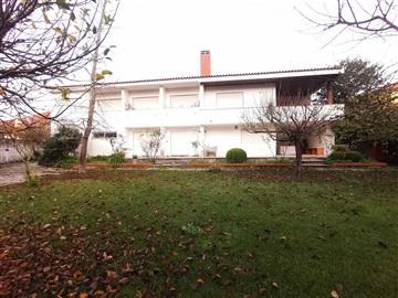 Moradia Isolada T6 / Cantanhede, Portunhos e Outil