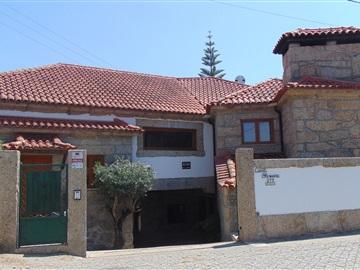 Quinta T5 / Vila Nova de Famalicão, Vale (São Cosme), Telhado e Portela