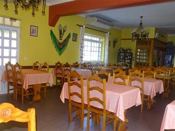 Restaurant / Vila Verde, Sande, Vilarinho, Barros e Gomide