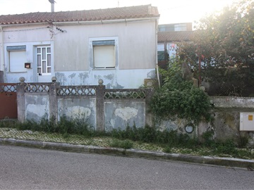 Semi-detached house T2 / Coimbra, Santa Clara