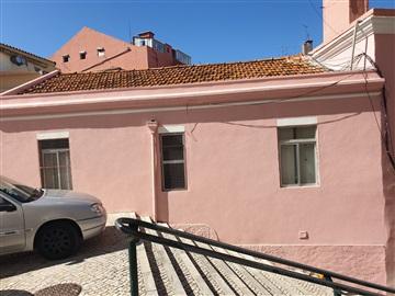 Semi-detached house T2 / Loures, Centro Sacavém