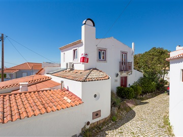 Semi-detached house T2 / Sintra, Azóia