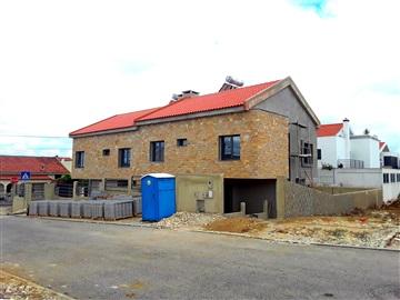 Semi-detached house T4 / Cascais, Trajouce