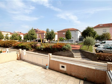 Semi-detached house T4 / Coimbra, Bairro Norton de Matos