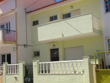 Semi-detached house T4 / Sintra, Agualva