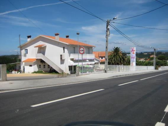 Shop / Oliveira do Bairro, Perrães