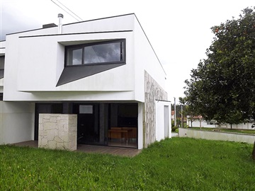 Terraced house T3 / Barcelos, Remelhe