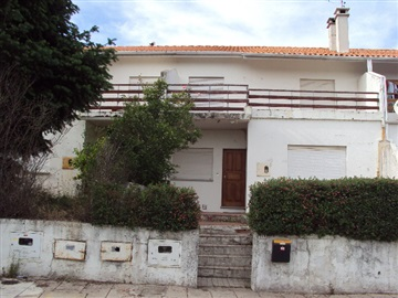 Terraced house T3 / Covilhã, Covelo