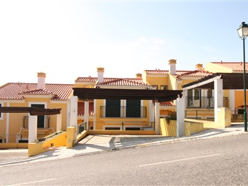 Terraced house T3 / Torres Vedras, Campo Real, Turcifal
