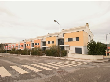 Terraced house T4 / Torres Vedras, Turcifal