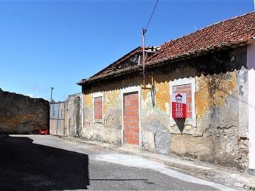 Terreno com ruina / Lourinhã, Sobral