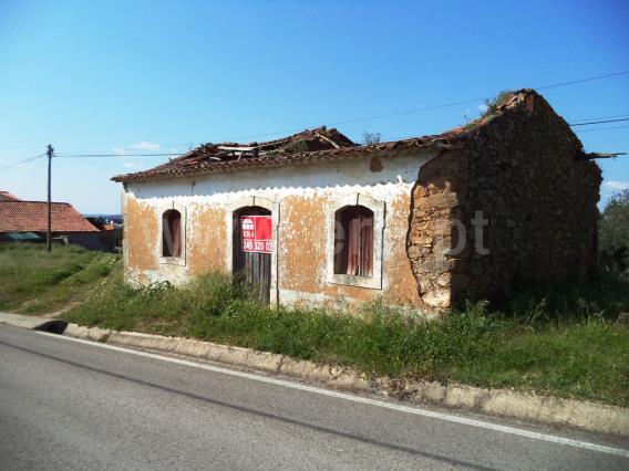 Terreno com ruina / Tomar, 1117-SAO PEDRO