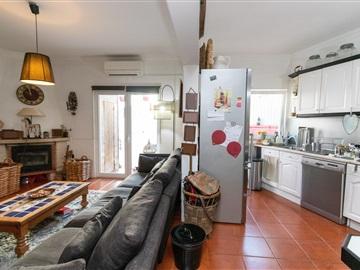 Viviendas Adosadas en barrio T2 / Sintra, Almoçageme